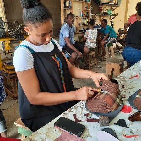 nigeria shoemaking school online_127